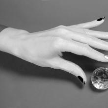 Модный лак для ногтей от дизайнера Деборы Липпманн